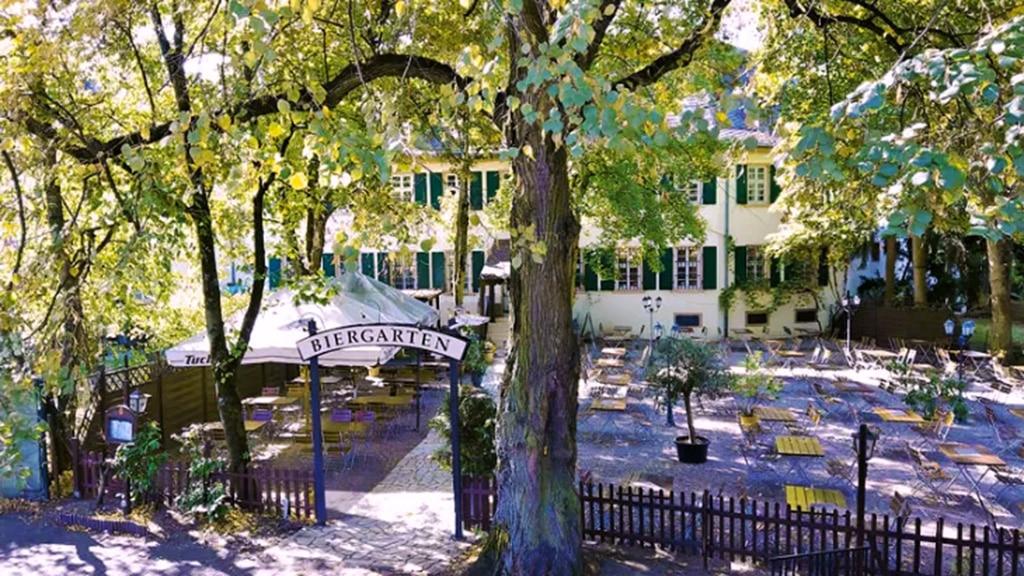 Dionysos beer garden